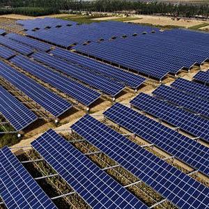 太阳能光伏组件系统中电池与逆变器很重要